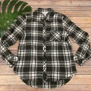 Market & Spruce green white plaid flannel shirt